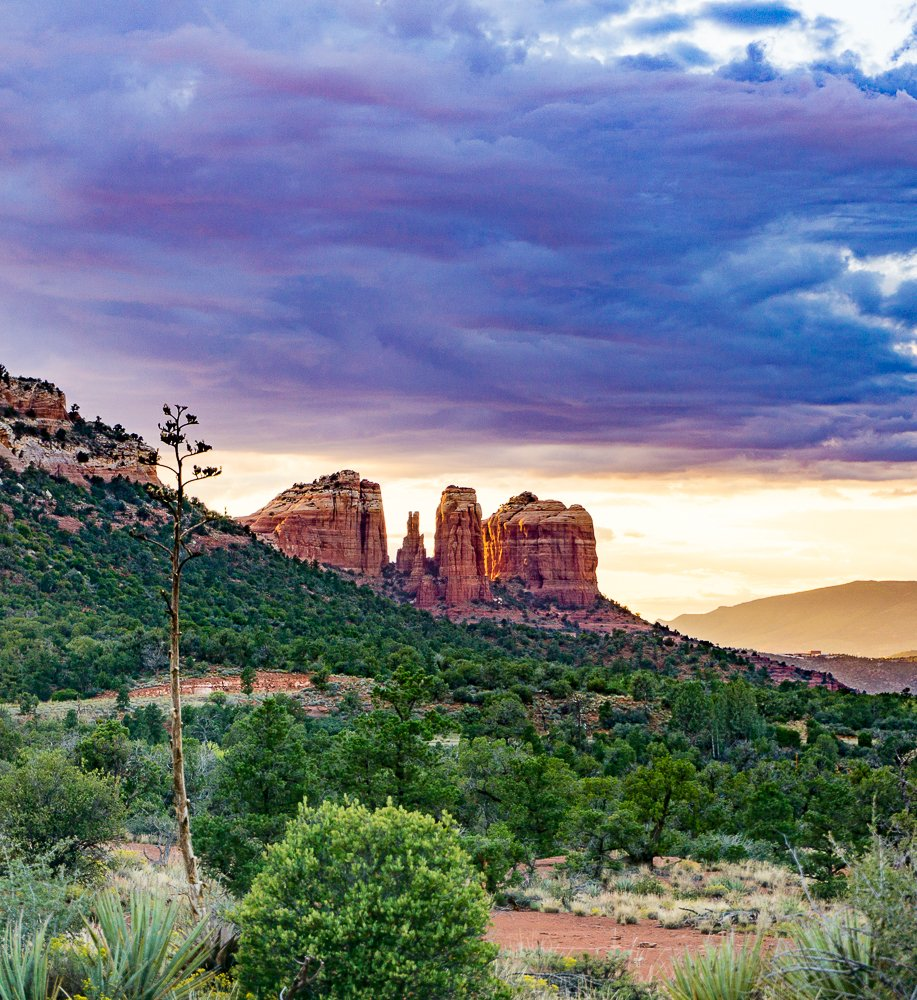 sedona-retreat-sunset-cathedral-rock-squared-05268