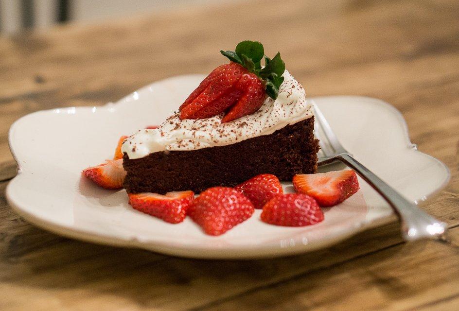 ... Yoga | Flourless Dark Chocolate Espresso Fudge Cake - Hope's Yoga
