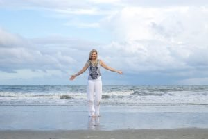 Hope-Knosher-corporate-yoga